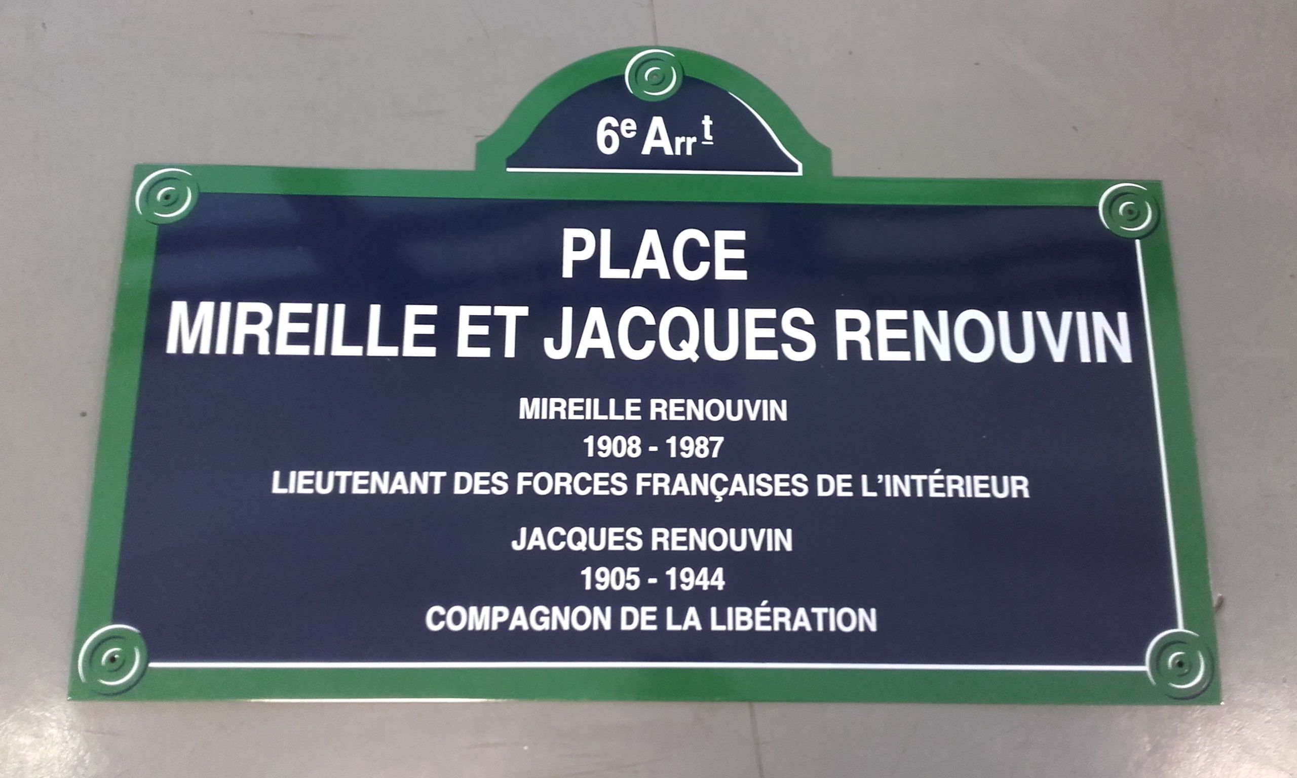Plaque de la place